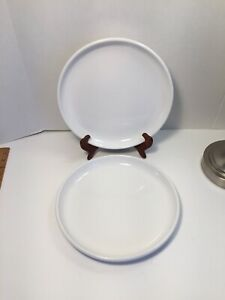 Set-Of-2-Culinary-Arts-Crate-amp-Barrel-Dinner-Plates-10-25-White-Porcelain
