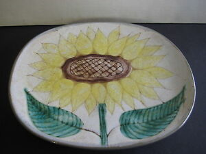 A-DURHAM-ART-POTTERY-HAND-PAINTED-SUNFLOWER-OVAL-WALL-PLATE-SIGNED-11-034-X-9-034