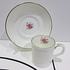 Danbury-Mint-Bone-China-Demitasse-Teacup-amp-Saucer-Crown-Staffordshire-England