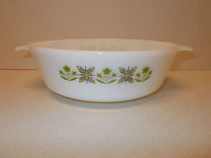 Anchor Hocking Fire King Green Meadow Design 195cm Oven Dish USA  Lovely - <span itemprop=availableAtOrFrom>Wigton, United Kingdom</span> - Returns within 30 days of purchase will be refunded - buyer pays postage Most purchases from business sellers are protected by the Consumer Contract Regulations 2013 which give you the rig - Wigton, United Kingdom