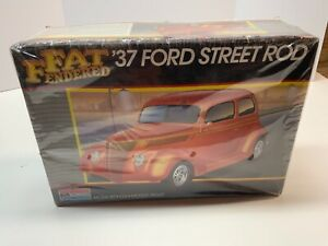 1937 FORD Street Rod 1/25 by Monogram Fat Fendered series vintage