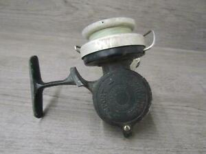 Vintage-Pezon-amp-Michel-Sport-Spinning-Reel