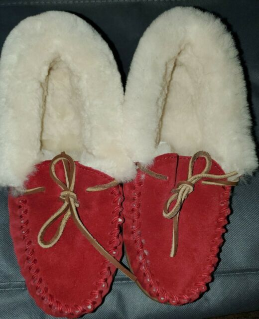 LL Bean Women's Red Moccasin Suede Shearling Slippers 6M - New
