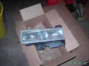 15034930-Scheinwerfer-vo-rechts-Chevrolet-Tahoe-Suburban-K1500