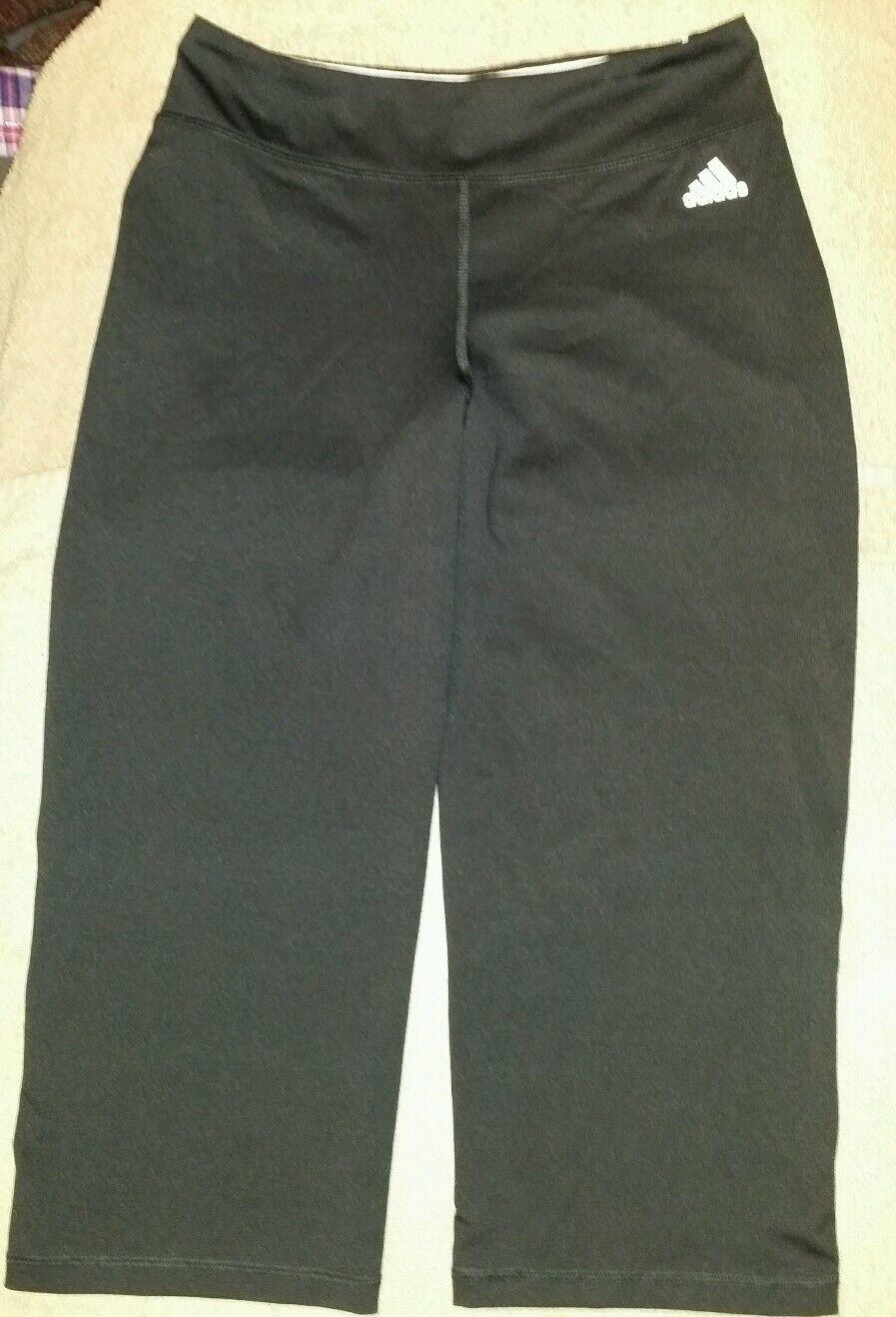 Nő kis adidas fekete fehér capri / edző nadrág