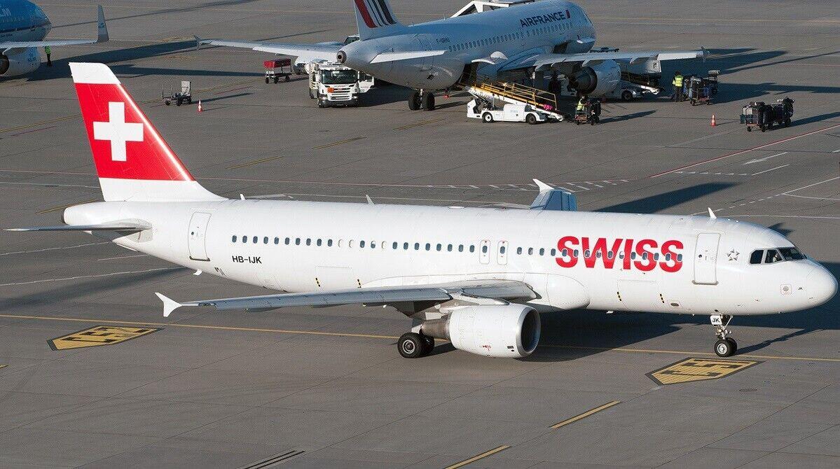 Jfox 1 200 JFA320028 1 200 Swiss International Airlines A320-214 HB-ijk con Soporte