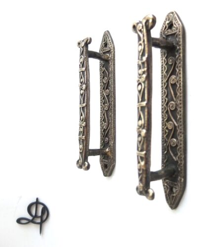 VINTAGE ANTIQUE STYLE HAND MADE SOLID BRASS PAIR OF CABINET DOOR HANDLES PULLS