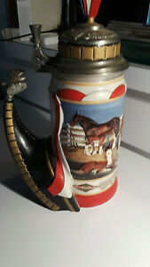 """Budweiser CS459 """"The Hitch Prospect"""" Lidded Stein - New in Box """"Never Used"""""""