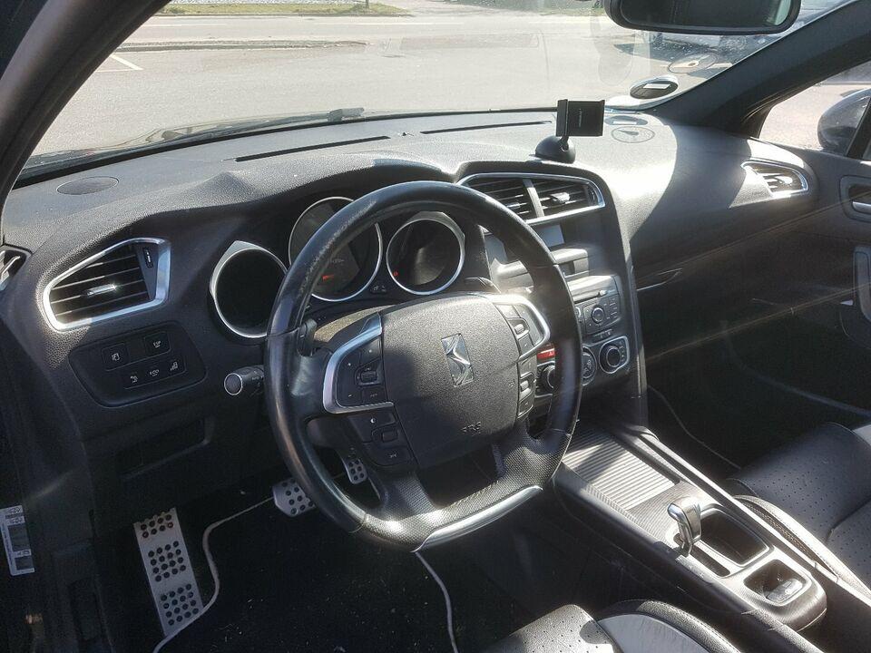 Citroën DS4 1,6 e-HDi 112 Style Diesel modelår 2011 km
