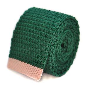 Frederick-Thomas-scuro-verde-aderente-maglia-cravatta-con-pallido-rosa-confetto