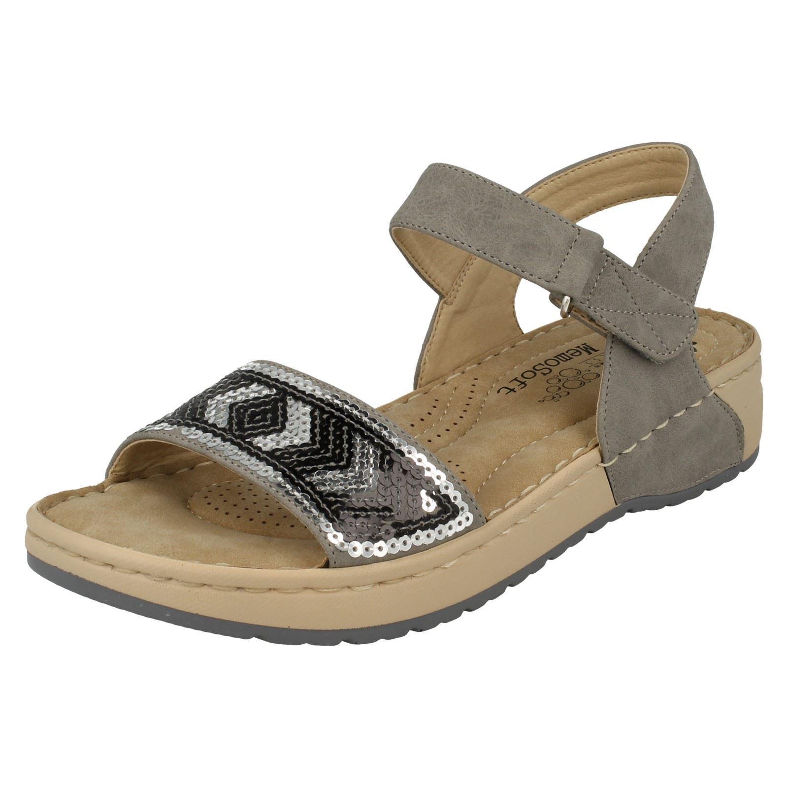 Femmes rieker V5778 gris synthétique des sandales compensées