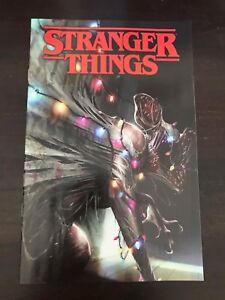 Stranger-Things-1-Dark-Horse-2018-Midtown-Mattina-variant-Cover-Netflix-NM-9-4