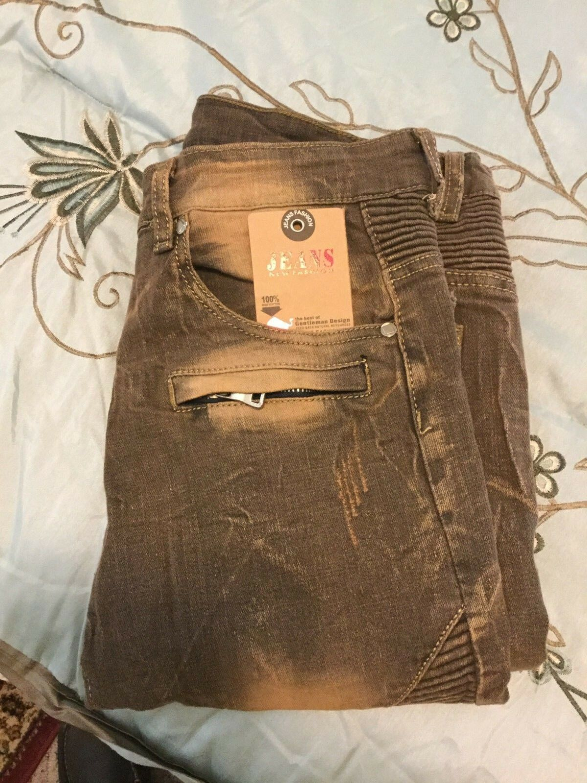 FEESON JEANS 33 SLIM FIT, STRAIGHT LEG DISTRESSED RIPPED