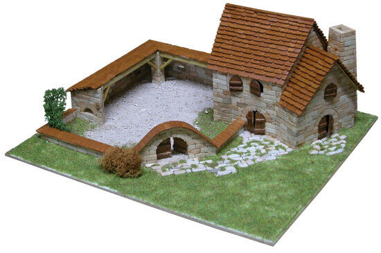 Rural Country House mod. 1 2100 pcs Model Kit AEDES ARS