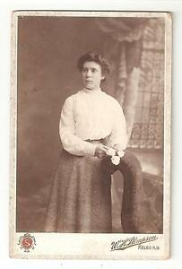 Victorian-Cabinet-Card-Photo-Young-lady-by-W-H-Stimpson-Kelso