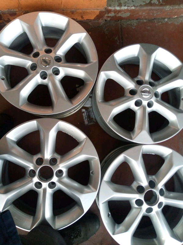 Nissan mags size 17