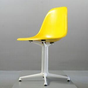 Details zu Charles Eames Fiberglas Side Chair Canary Yellow, Herman Miller/  Vitra La Fonda