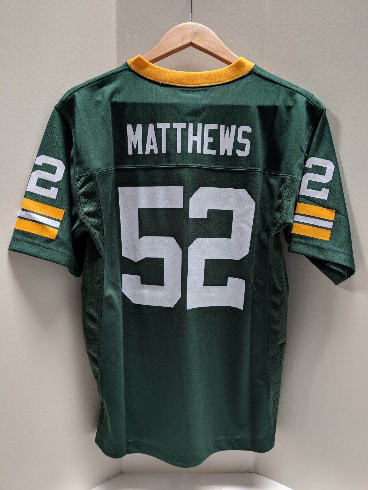 Clay Matthews Green Bay Packers Youth Kids Size L NFL Replica Jersey Retail