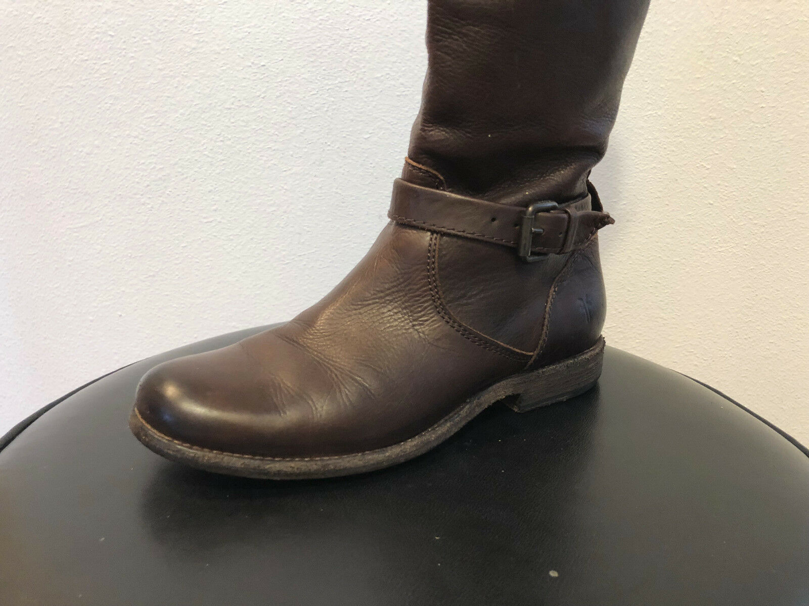 FRYE's Designer women's knee high leather boots size 7.5B