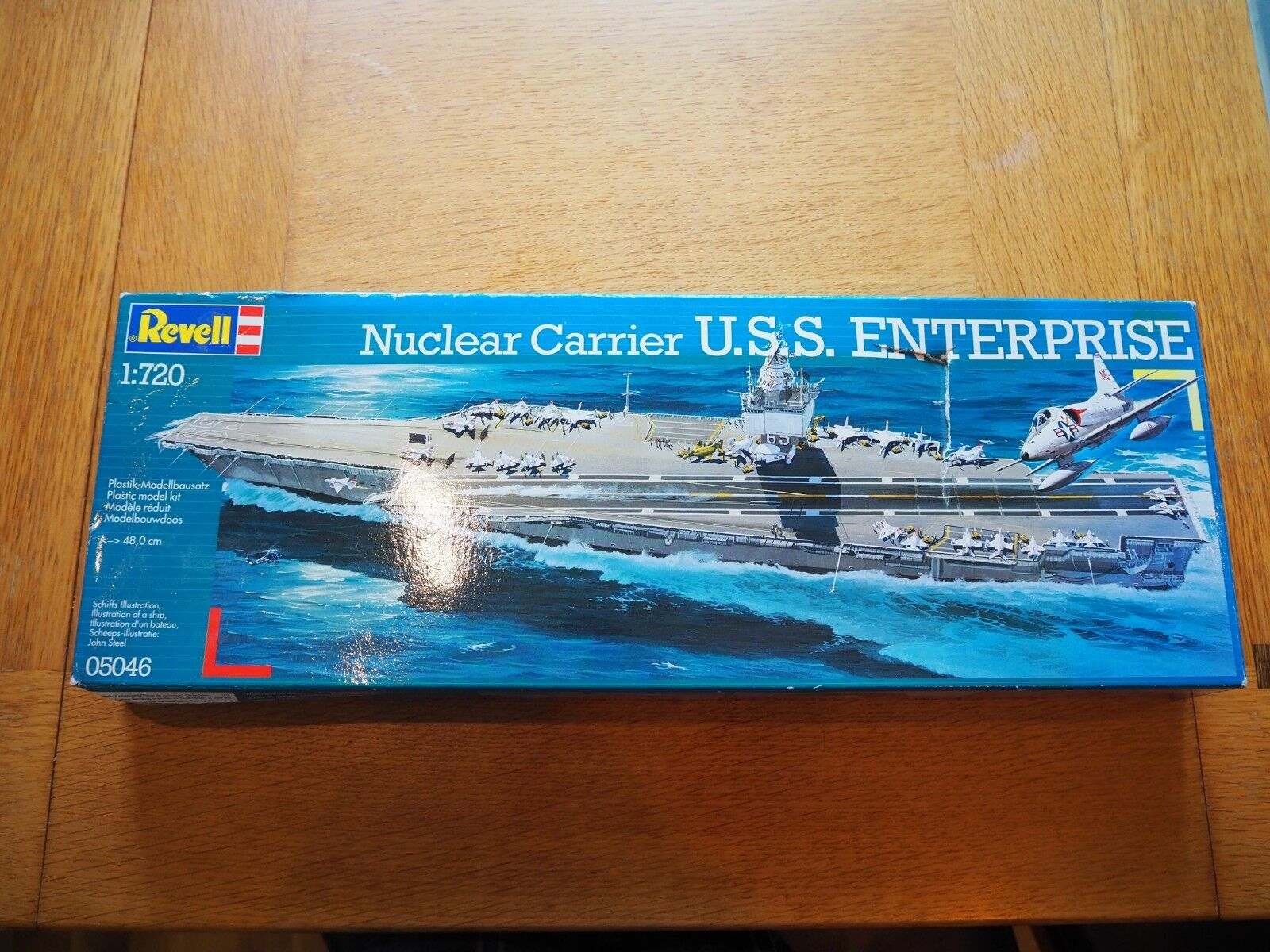 Revell 05046 USS Enterprise Nuclear Carrier 1 720 Scale