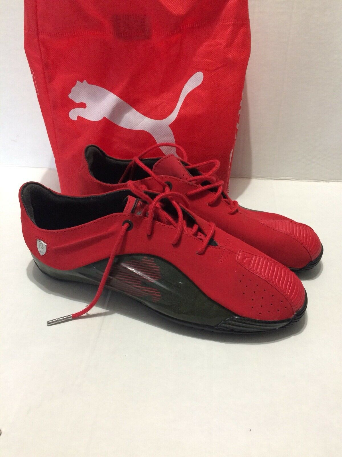 Authentic Puma Ferrari GT Racing shoes, Red Suede, Silver (Size 8) 020042972