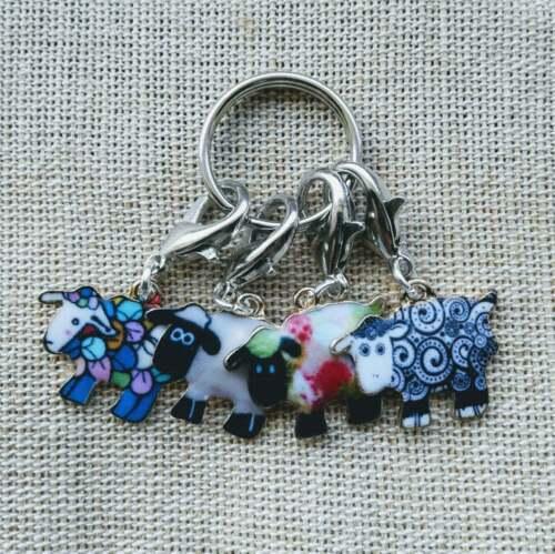 Conjunto de 4 ovejas Colorido Marcadores de punto de ganchillo y tejer