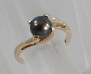 10 karat Yellow Gold and Pearl ring