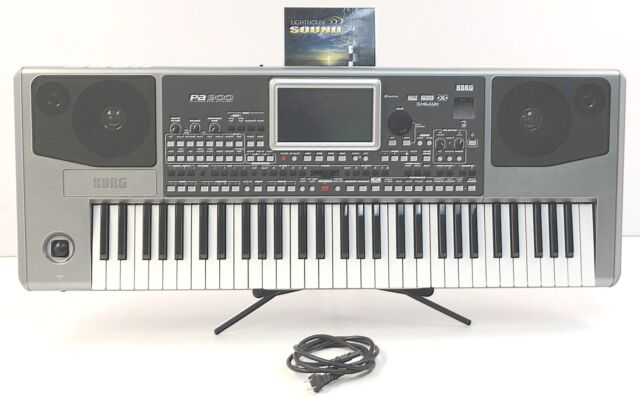Korg PA900 61-Key Pro Arranger Keyboard PA-900 - FULLY TESTED