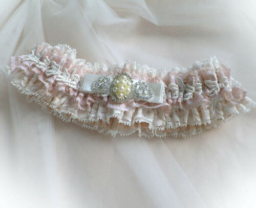 LIGHT IVORY BLUSH PINK LACE DIAMANTE VINTAGE WEDDING BRIDAL PERSONALIZED GARTER