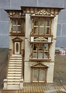 Lisa-Painted-Lady-San-Francisco-w-garage-1-24-scale-Dollhouse