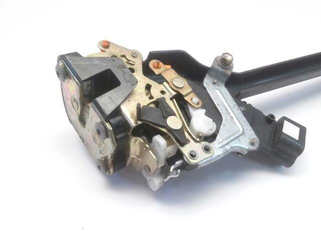 2002 Toyota Corolla Left Rear Door Latch Assembly Power Lock Oem 69306 02090 For Sale Online Ebay
