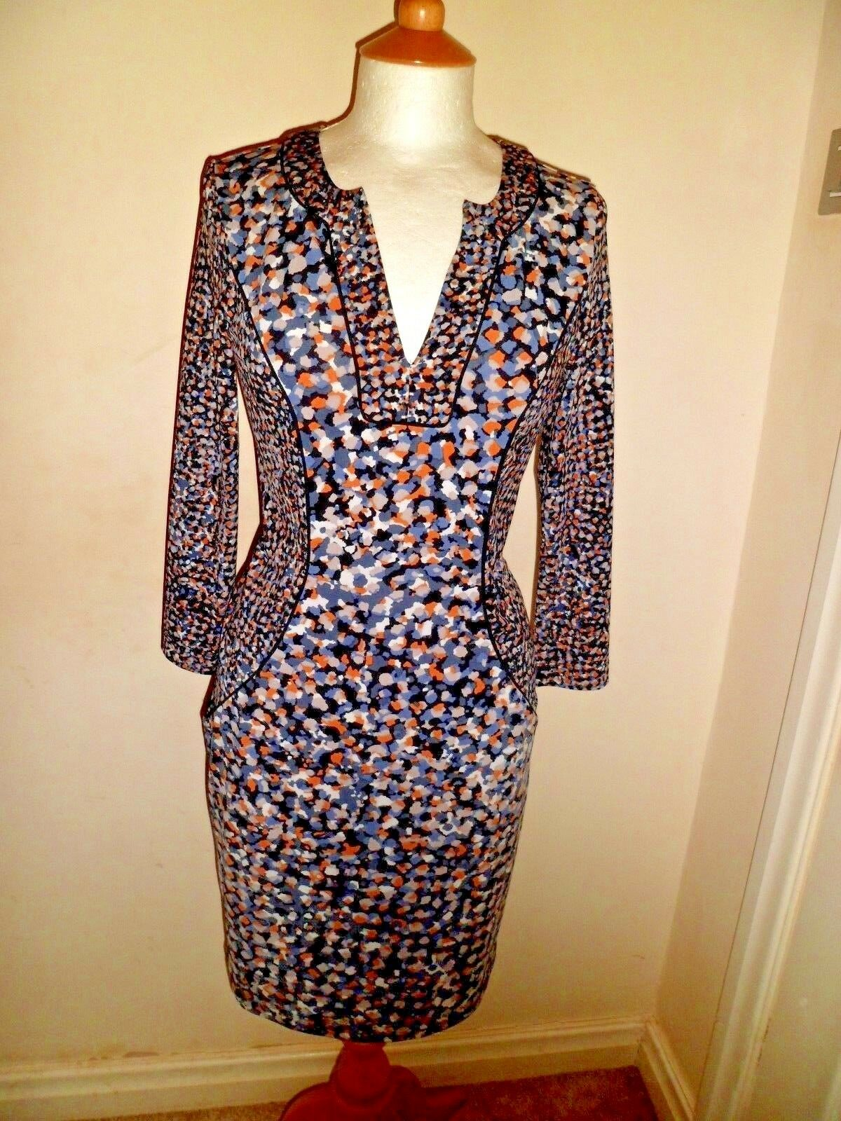 Stunning BCBGMAXAZRIA Geometric Dress Extra Small Worn Once