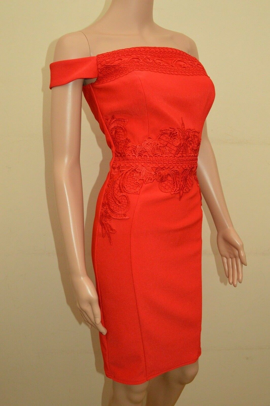 1d9fdd737bd ... New Lipsy Red Red Red Bardot Embroidered Dress Sz 0915ec ...