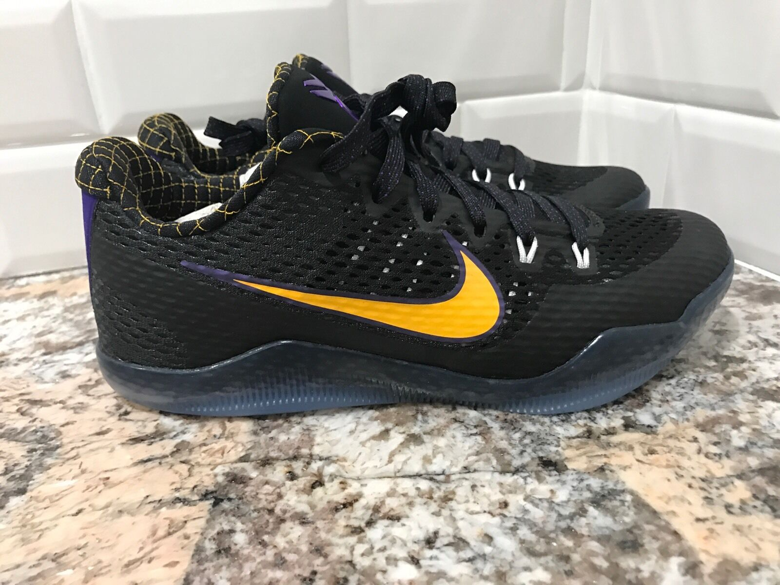 Nike Kobe XI 11 Carpe Diem SZ 7 Black White Court Purple gold 836183-015 Bryant