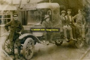 rp11160-Channel-Fuel-Co-Lorry-Newport-Isle-of-Wight-photo-6x4