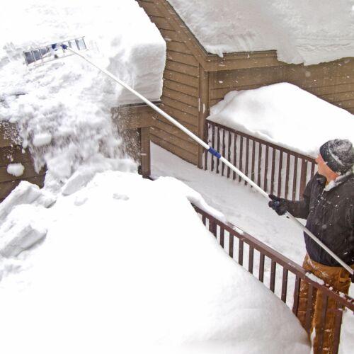 Snow Joe RJ205M Telescoping Snow Shovel Roof Rake21-Foot ExtensionAluminum