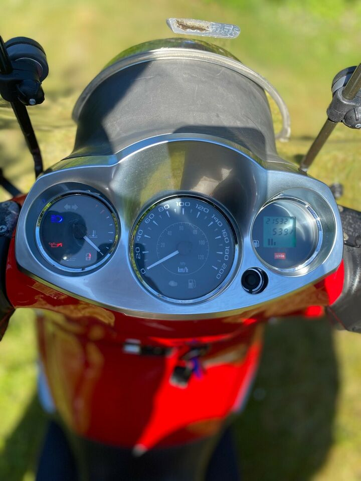Aprilia, Scarabeo 250ie, 250 ccm