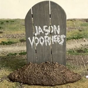 NECA-Friday-The-13th-Jason-Voorhees-Grave-Tombstone-1-12-6-Action-Figure-Custom