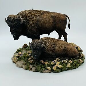 Danbury-Mint-On-The-Range-Buffalo-Bison-Figurine-Animal-Statue-Figure-Read-Desc