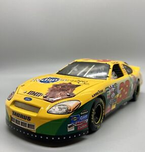 2004-Action-RCCA-LE-Elite-Elliot-Sadler-38-Wizard-of-OZ-NASCAR-Replica-1-24