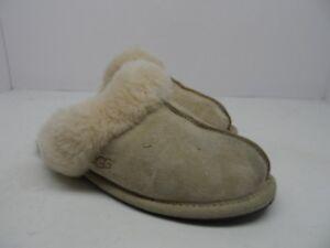 08700da9e0 UGG Australia Women s Scuffette II Sheepskin Slipper Sand Size 6M