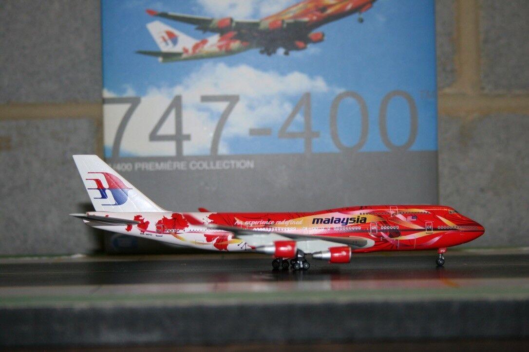Alas de dragón 1 400 Malaysia Airlines Boeing 747-400 9M-MPD 'Hibisco's (55519)