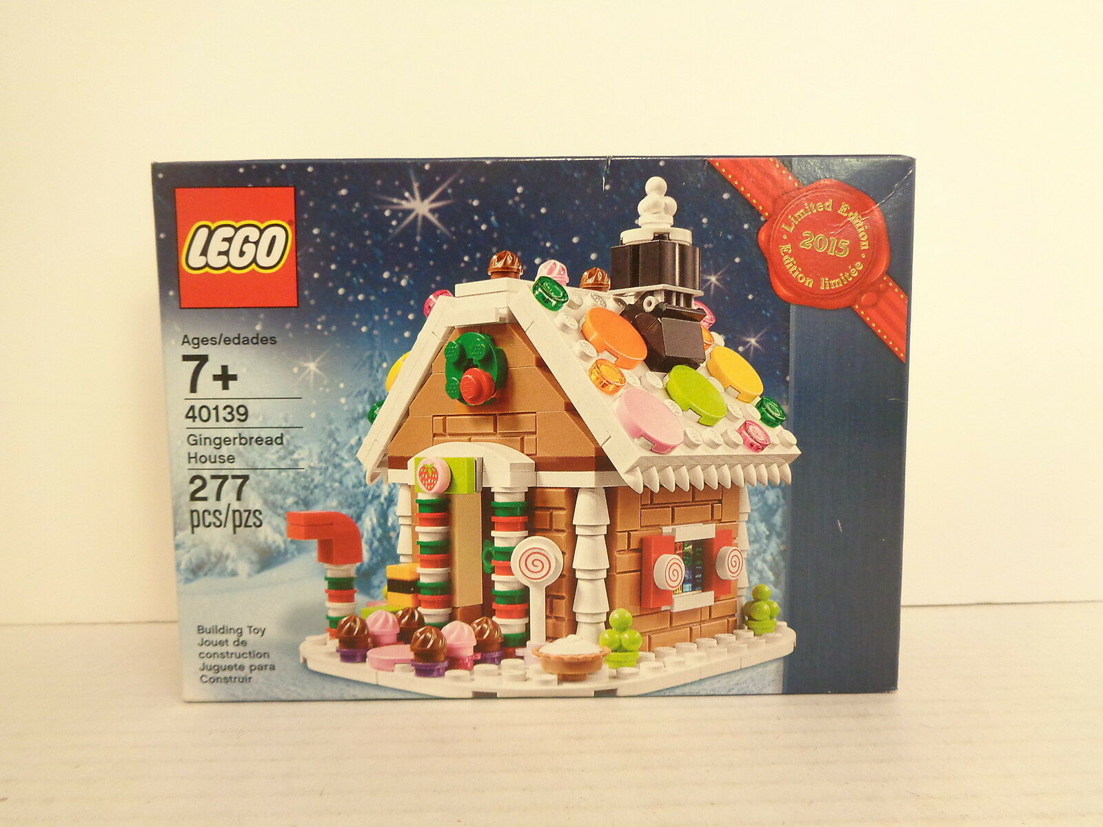 2015 Lego  40139 Gingerbread House Limited Edition Building Set MIP