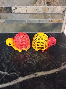 Vintage-Orange-And-Yellow-Turtles-Salt-and-Pepper-Shaker-Set-Made-In-Japan