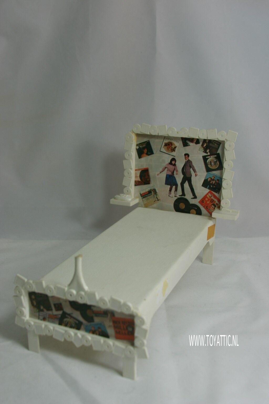 Barbie Francie Cama Mod A Go-Go hecha por Suzy ganso en 1966 difícil de encontrar