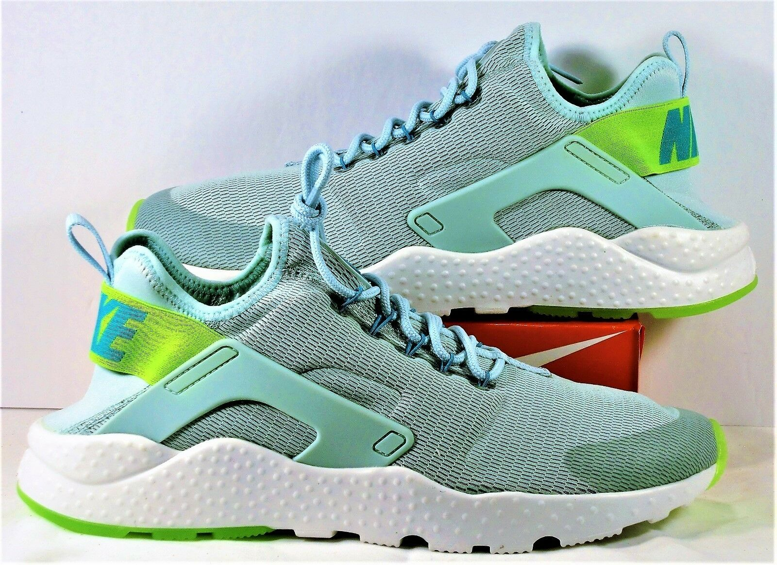 Nike Air Huarache Run Ultra Green & White Women Running Sz 12 NEW 819151 301