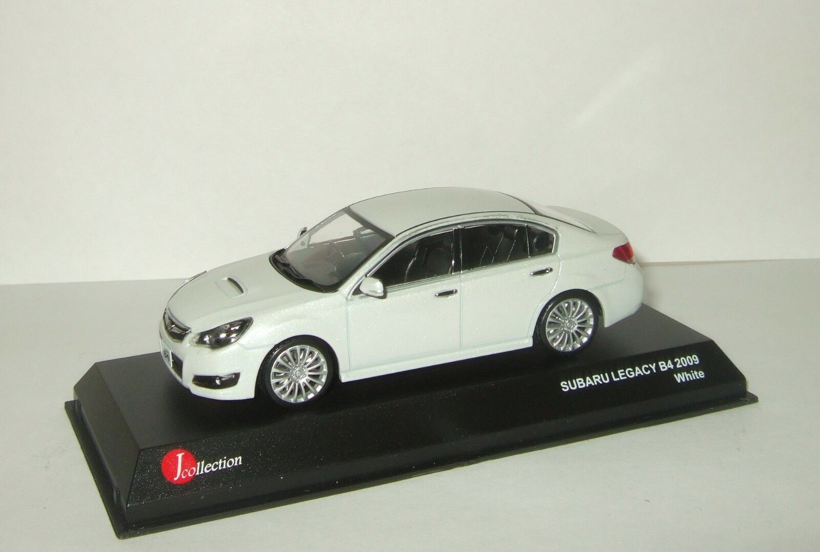 Subaru Legacy B4 2009 blanc Kyosho J-Collection 1 43 JCP70002W