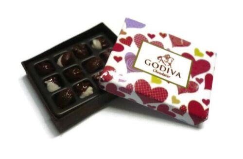 1 X GODIVA CHOCOLATE GIFT BOX DOLLHOUSE MINIATURES VALENTINE'S DAY-3