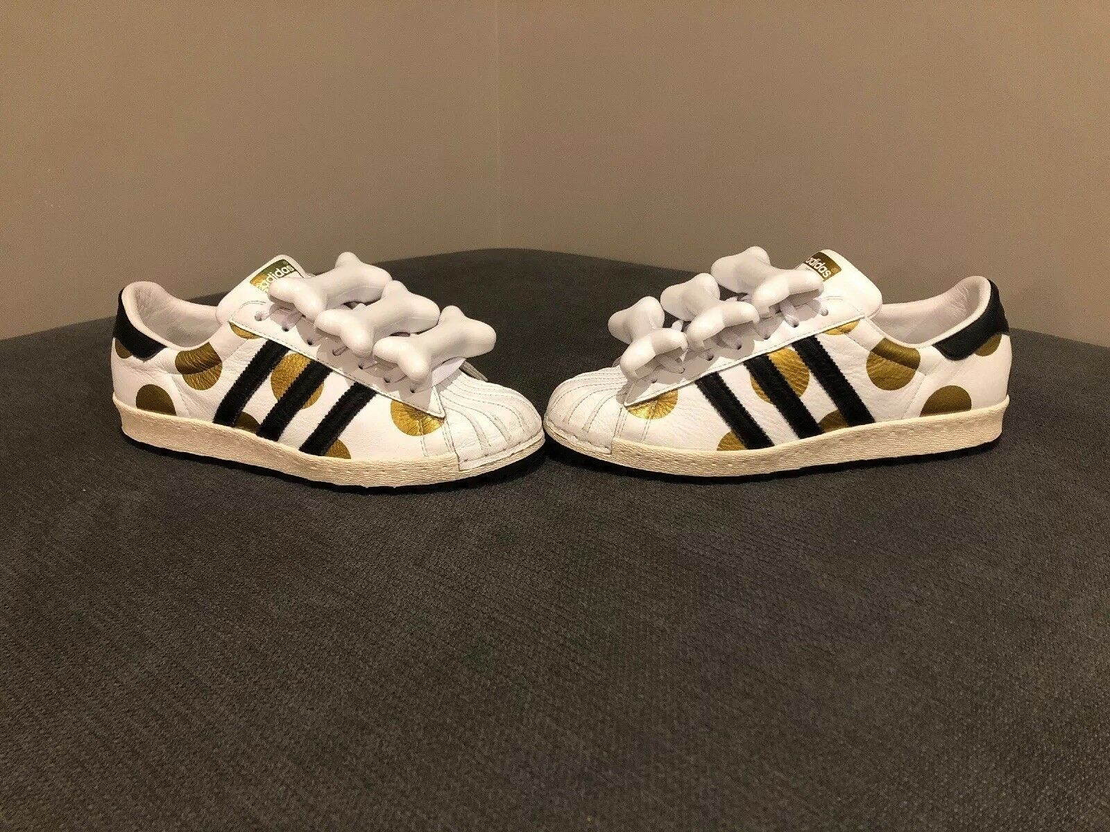 Adidas JEREMY SCOTT Bones Tribute, SUPERSTAR Polka DOTS gazelle, Size 9, Rare