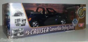 1-18-Scale-MotorMax-Chrysler-PT-Cruiser-Convertible-Dark-Blue